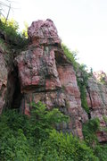 Rock Climbing Photo: looking from the south at the face of Cobblestone