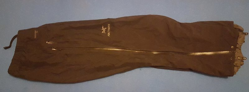 Side view of Beta AR pants