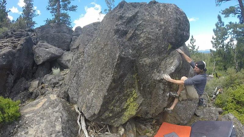 after crux on the flake.4 ways to top out from here<br>