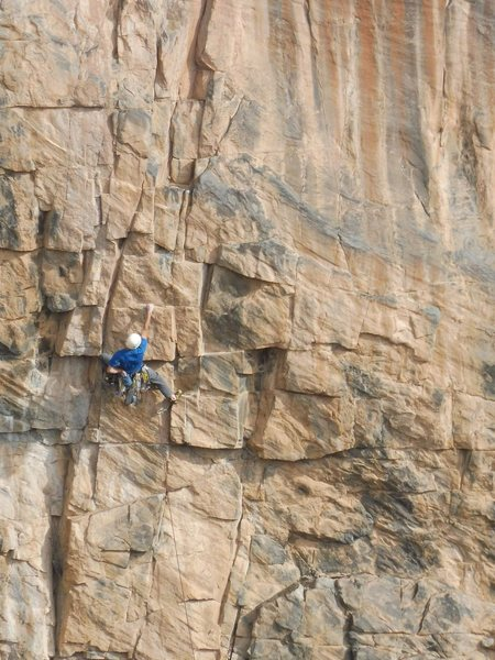 Steven Lucarelli moving smoothly through the crux of pitch 11.