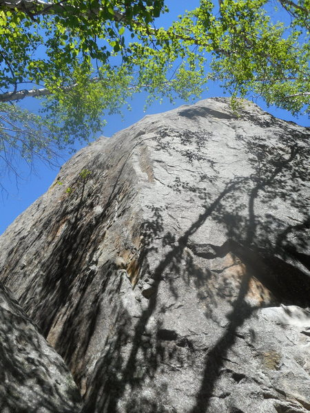 Rock Climbing Photo:  Wayward-- 5.10-. Unusual arête climb with little...