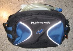 Rock Climbing Photo: HydraPack lumbar pack with 2-liter bladder (in gre...