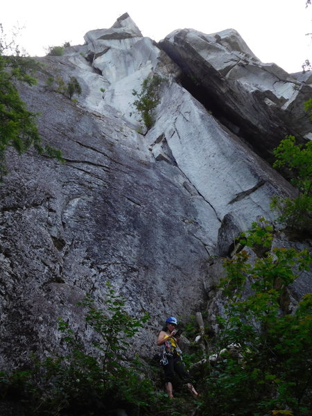 Rock Climbing Photo: looking up at the steepness.