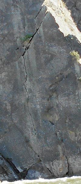 The route - this is cropped from the other photo.  The rap is from a horn at the top left where the sun hits the crack.