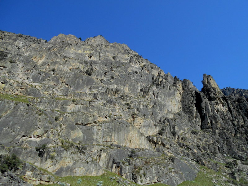 Rock Climbing Photo: Crags a few miles below Cliffside camp
