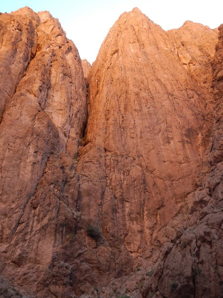 Climbing in Morocco Escalade au Maroc<br> Guidebook climbing in Todra gorges <br> Pilier du couchant area