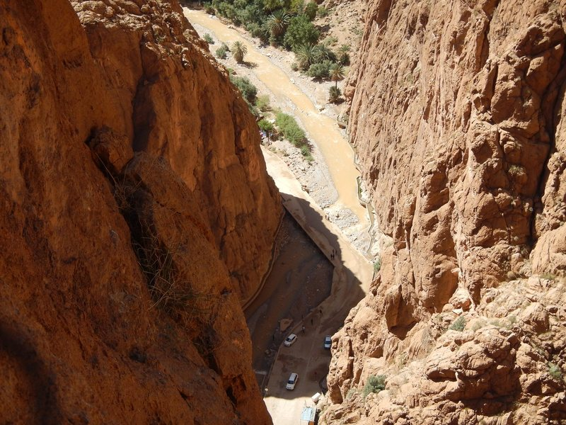 Climbing in Morocco Escalade au Maroc<br> Guidebook climbing in Todra gorges <br> Entrance of the gorges