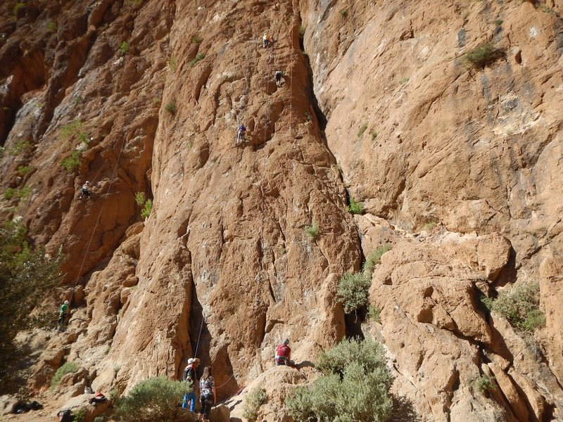 Climbing in Morocco Escalade au Maroc<br> Guidebook climbing in Todra gorges <br> Mansour