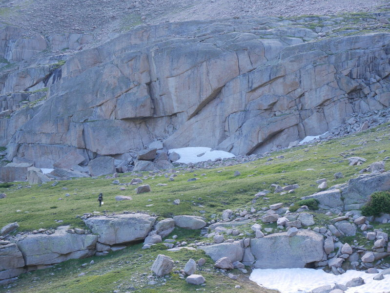 Rock Climbing Photo: View of Rain Delay Crag while walking East from Sp...