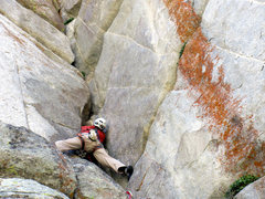 Rock Climbing Photo: Larry Coats on the middle section of Rat Crack.