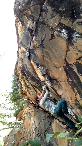 Really nice line, one of my favorite boulders in Colorado.