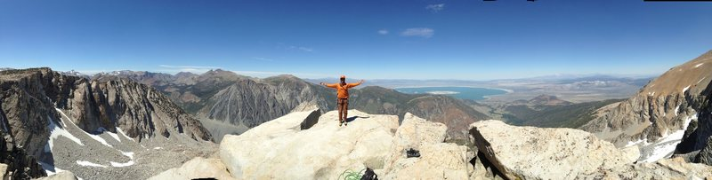Rock Climbing Photo: Topping out the Third Pillar on a perfect Sierra D...