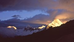 Rock Climbing Photo: Artesonraju at sunset from moraine camp, Alpamayo.
