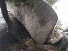 Rock Climbing Photo: pass this little cave near jaws, go behind it, to ...