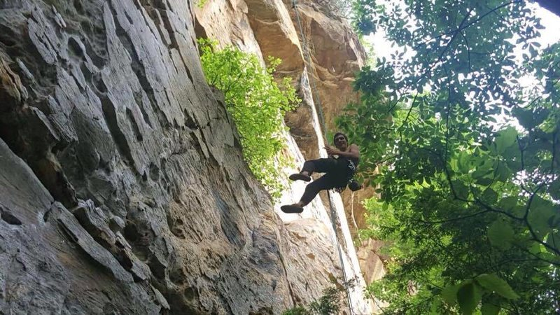 Rappelling after cleaning &quot@SEMICOLON@Breakfast Burrito, 5.10d&quot@SEMICOLON@ in Red River Gorge, KY. Had to give it another go after leading the pitch, such an awesome route.