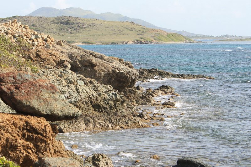 Rock Climbing Photo: The desert bay behind Oyster Pond.