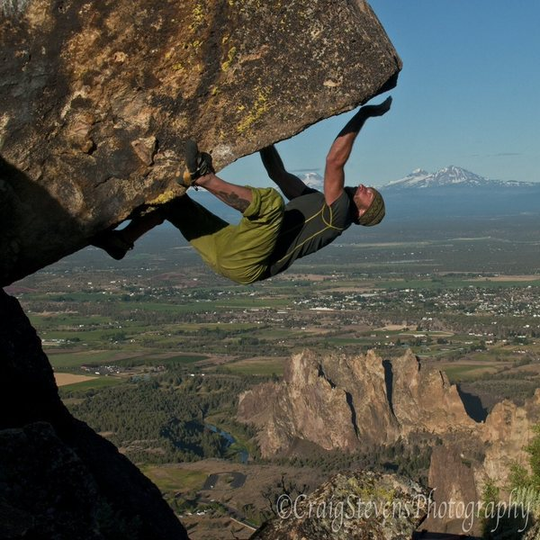 Bouldering above Smith Rock