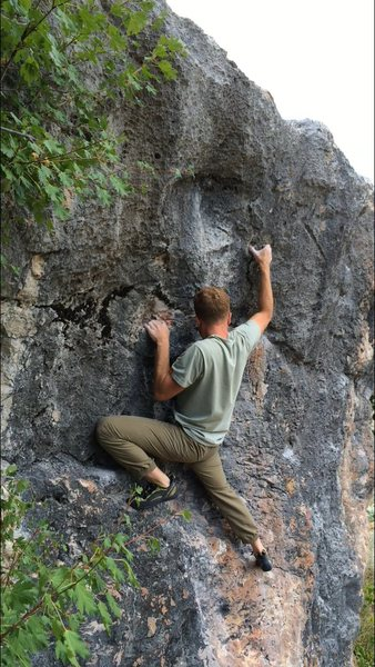 Rock Climbing Photo: Super sharp edgey crimps, with a two finger pocket...