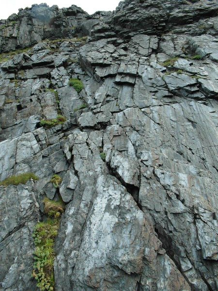 3 to 4 pitch trad route with exposure and all round sense of adventure