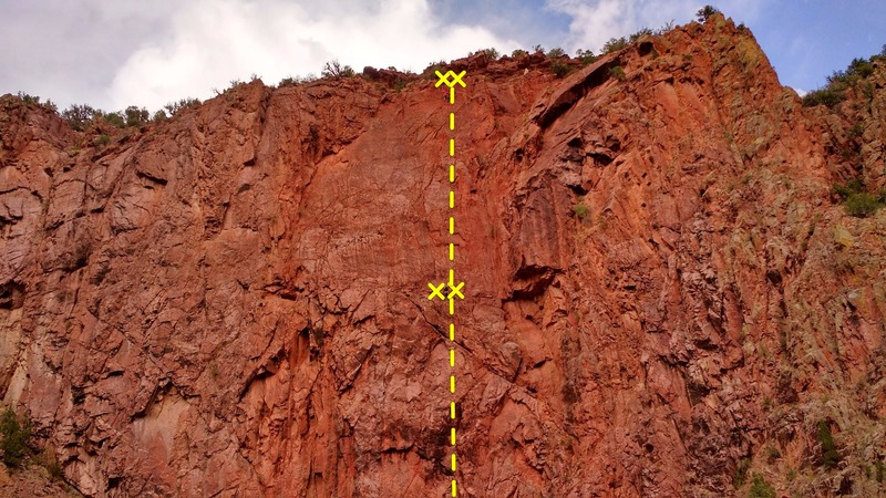 Climbers leading the second pitch of Moist Hoist