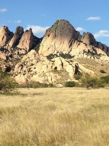 Rock Climbing Photo: View of Sheepshead from the approach. Rough topo o...