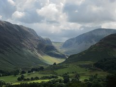 Rock Climbing Photo: Looking up the valley to Miners Crag
