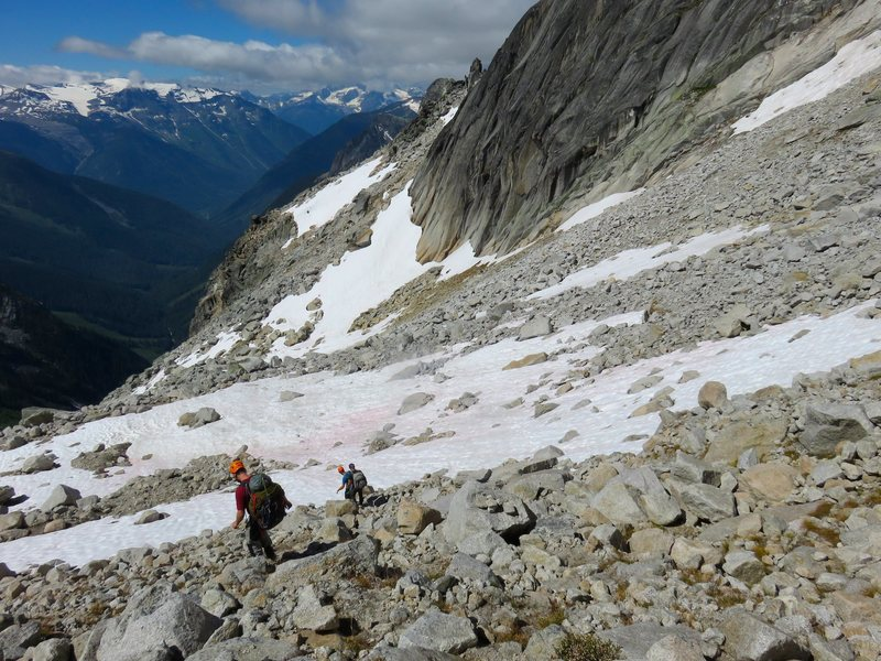 Approaching the base of the ridge.
