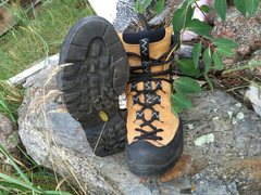 Nearly new Scarpa boots, W39