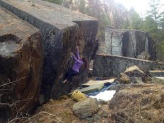 Rock Climbing Photo: Warm up boulder  topping out is the crux on each p...