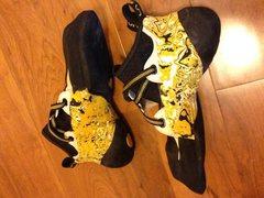 Shoes lying down - Inside