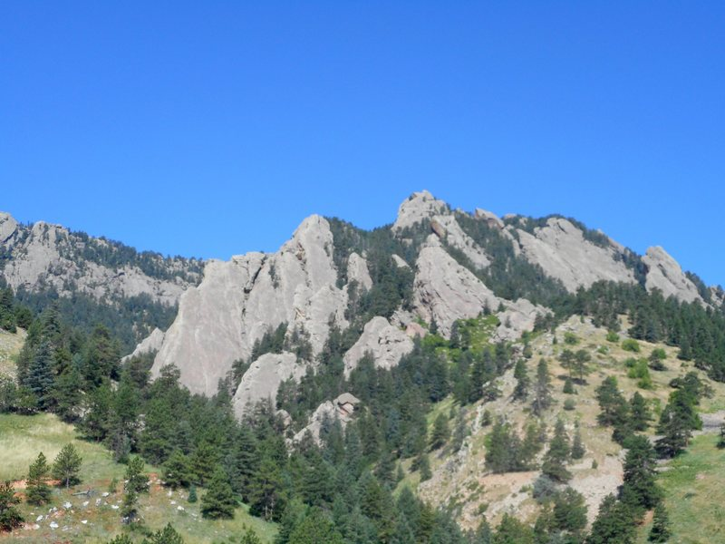 Entrance to Skunk Canyon. Flatirons.