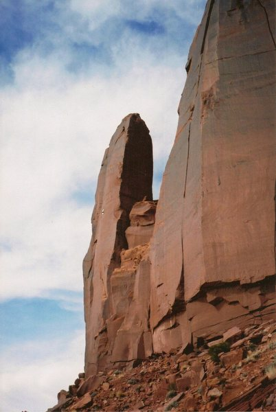 FA The Iron Lady Tower . Cliffs of Insanity .Indian Creek .. Utah  Paul Ross Jeff Pheasant 2002