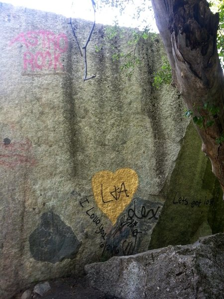 Pipeline boulder vandalism