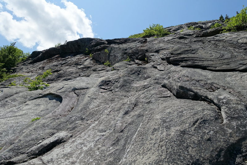 Rock Climbing Photo: Looking left towards the end of P2 and start of P3...