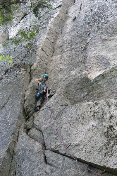 Rock Climbing Photo: The corner takes good gear all the way.
