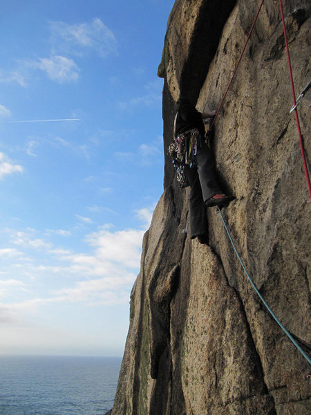 Catherine Smith on Suicide Wall (E1 5c), Bosigran, Cornwall