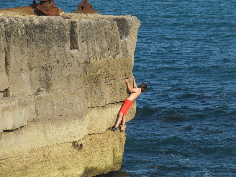 Rock Climbing Photo: The Red Crane Traverse (F5a), Lighthouse Area, Por...