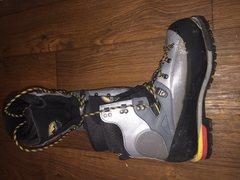 left boot