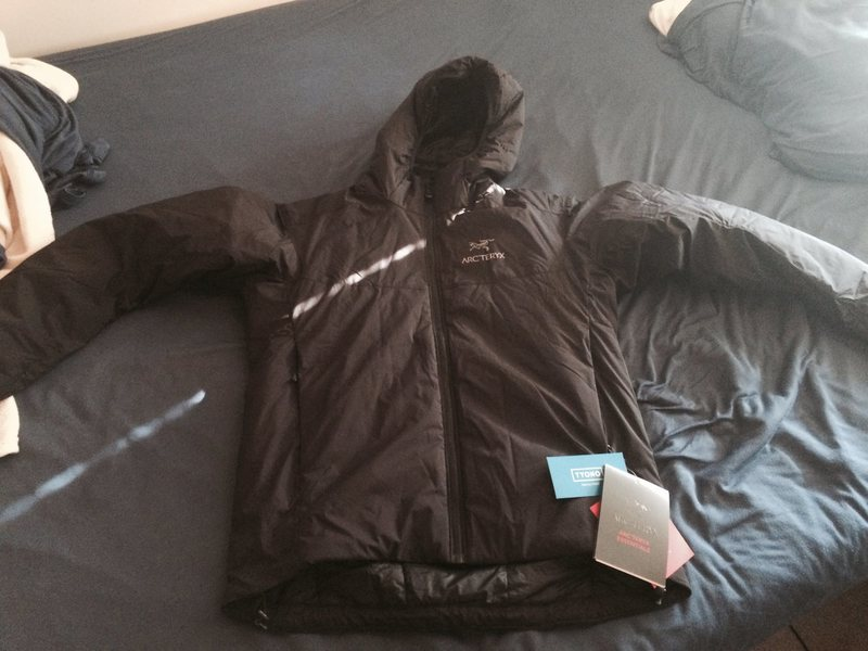 ARCTERYX ATOM AR MENS MEDIUM