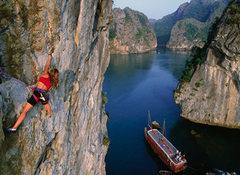 Rock Climbing Photo: Caroline Plouff Climbing in Halong Bay