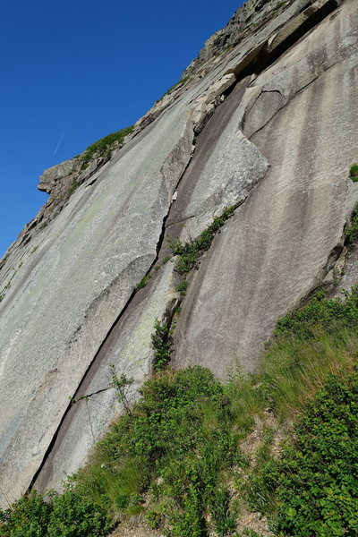 Rock Climbing Photo: Fun alternate start to Consolation Prize. This rou...