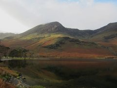 Rock Climbing Photo: Buttermere lake .. with High Crag Birkness Coombe