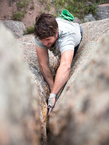 Rob goes a-boulderin'.