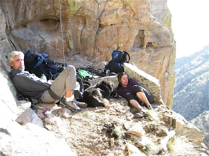 Jim hanging out on the King's Rampart with his dogs and Erica Bigio. Jim not climbing was a rare sight.