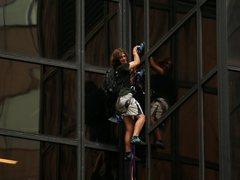 Police Capture Man Climbing Trump Tower After Hours-Long Standoff