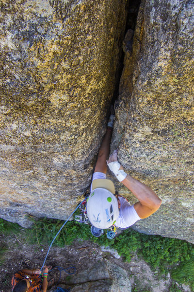 Rock Climbing Photo: John Lang jamming his way up Dakota Illinois