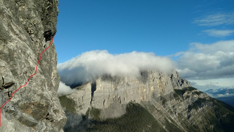 Rock Climbing Photo: Start P1 with cloud shrouded EEOR in back ground