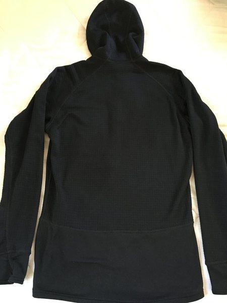 R1 hoody