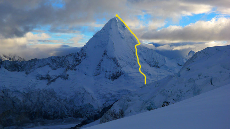Rock Climbing Photo: The east ridge route on Artesonraju as seen from P...