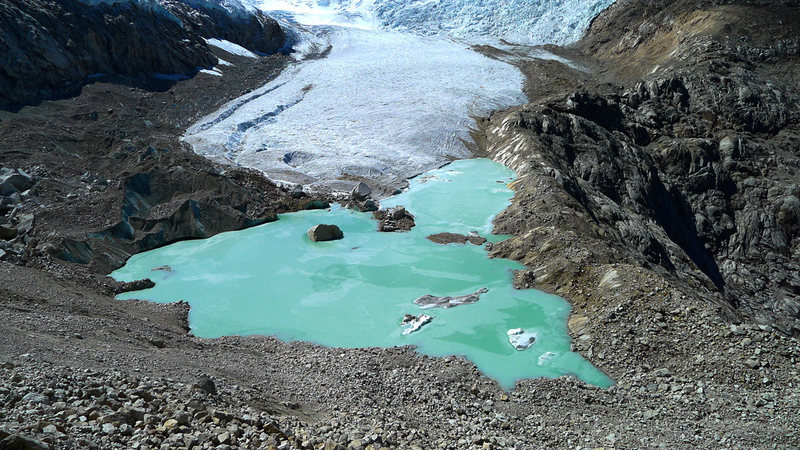 Small lake at the foot of the Paron Glacier.